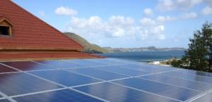 Panneau photovoltaïque sur une toiture en Martinique